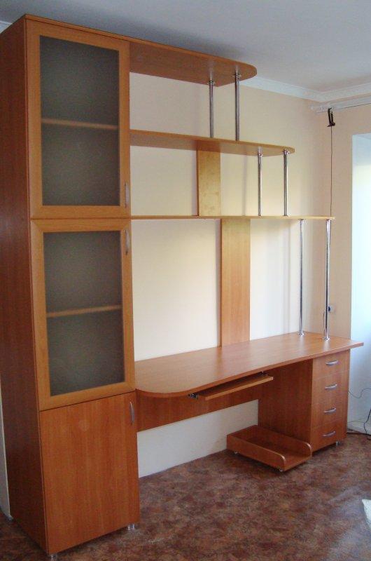 Компьютерные столы со шкафом - идеи для дома.